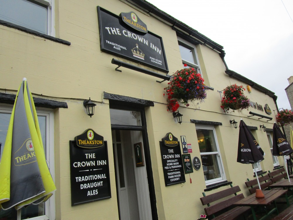 Village dog-friendly pub and dog walk, Yorkshire - Yorkshire dog-friendly pub and dog walk