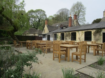 Dog-friendly dining pub near Chedworth Roman Villa, Gloucestershire - Driving with Dogs