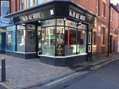 A584 dog-friendly micropub in Lytham St Anne's, Lancashire - Driving with Dogs