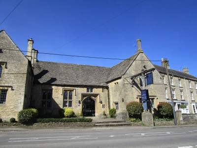 A361 dog-friendly pub and walk, Oxfordshire - Driving with Dogs