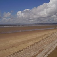 M4 junction 41 dog friendly beach, Glamorgan, Wales - Dog walks in Wales