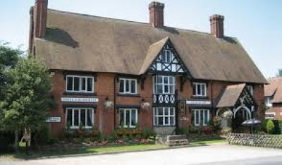 Dog-friendly country hotel and restaurant near the M6, Cheshire - Driving with Dogs