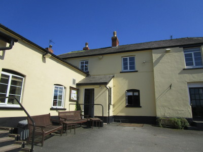 Dog-friendly pub and dog walks near Tillington, Herefordshire - Driving with Dogs