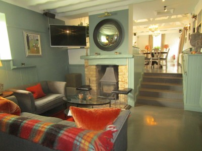 A361 dog-friendly pub and dog walk, Gloucestershire - Driving with Dogs
