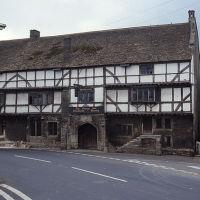 Historic inn and dog walk near Trowbridge, Somerset - Dog-friendly inn and dog walk Somerset.jpg