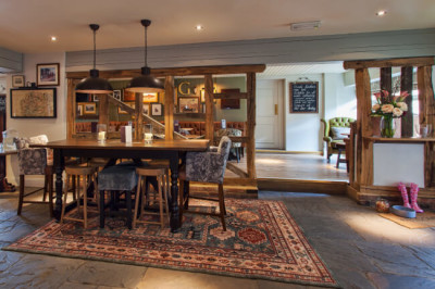 A33 Longbridge dog-friendly pub near Hook, Hampshire - Driving with Dogs