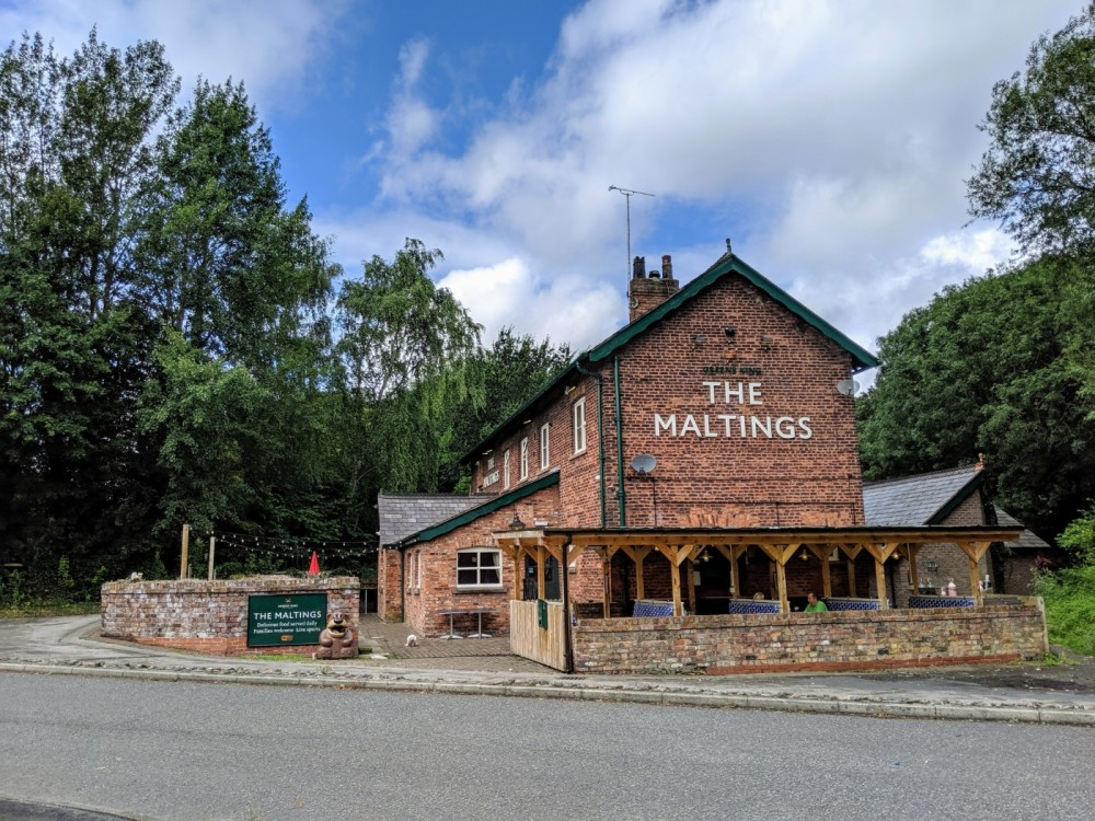 Award-Winning Dog-Friendly Pub Just 2 Miles from the M62, Junction 8 or 9, Cheshire - IMG_20190811_133234.jpg