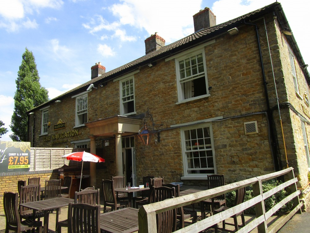 A508 Dog walk and dog-friendly pub near Milton Keynes, Northamptonshire - Dog walk and dog-friendly pub Northamptonshire
