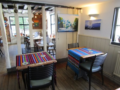 Bewl dog walk and dog-friendly pub, East Sussex - Driving with Dogs
