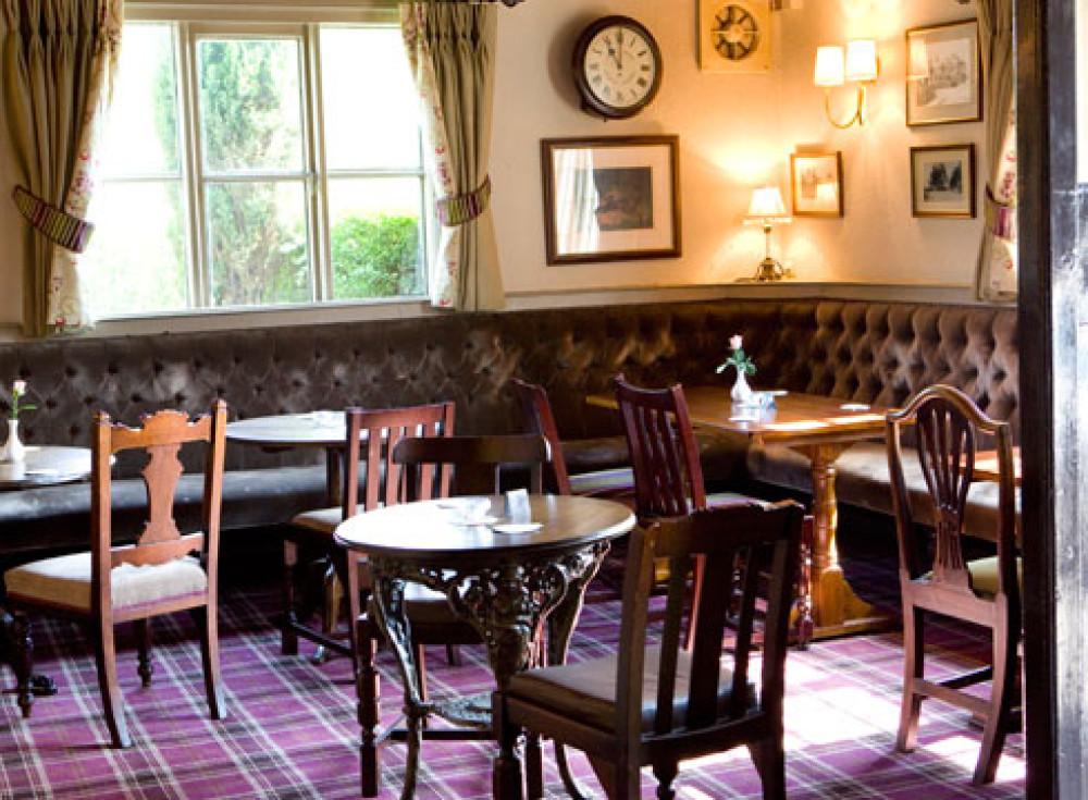 Comberbach dog-friendly pub, Cheshire - spinner-and-bergamot-dogfriendly2.jpg