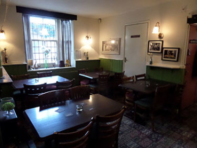Dog-friendly pub near Stourbridge, West Midlands - Driving with Dogs