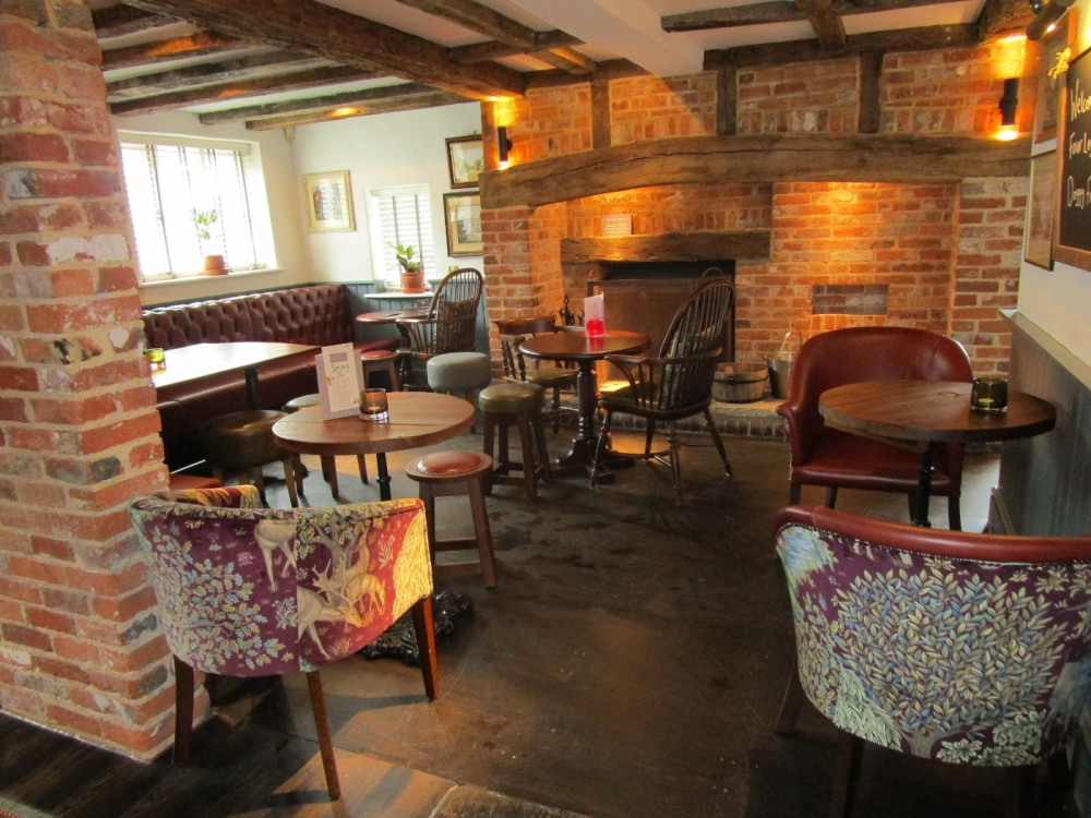 A27 Fontwell dog-friendly pub, West Sussex - Sussex dog-friendly pubs with dog walks.JPG