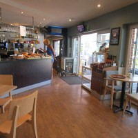 Benson dog walk and dog-friendly cafe on the Thames, Oxfordshire - Oxfordshire dog-friendly cafe