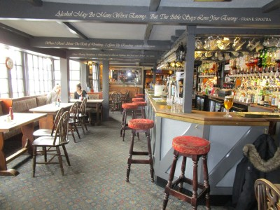 A271 Woodland dog walk and a dog-friendly pub, East Sussex - Driving with Dogs