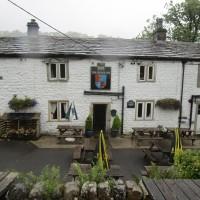 Dalesway dog walk and dog-friendly pub, Yorkshire - Yorkshire dog-friendly pub and dog walk