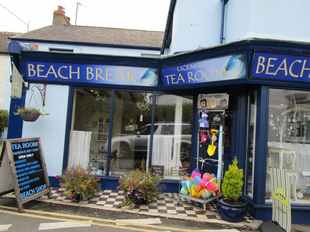 Manorbier dog-friendly beach, Pembrokeshire, Wales - Wales dog-friendly beach and dog walk