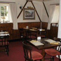 A43 dog walk and dog-friendly pub near Brackley, Buckinghamshire - Buckinghamshire dog friendly pub