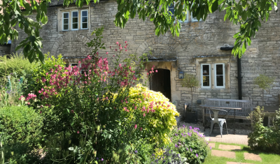 A367 dog-friendly pub and dog walk near Bath, Somerset - Driving with Dogs