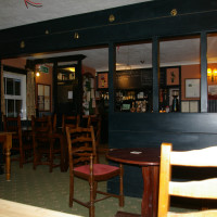 M4 Junction 17 dog-friendly dining pub, Wiltshire - Wiltshire dog friendly pub and dog walk