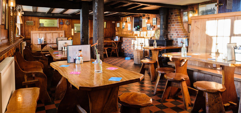 Southwold waterside dining pub, Suffolk - Suffolk dog-friendly pub and dog walk