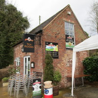 Wolverley dog-friendly pub and dog walk, Staffordshire - Dog walks in Staffordshire
