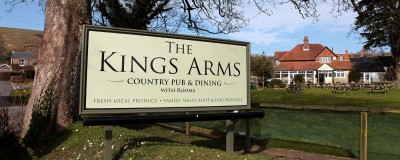 Ridgeway dog walk and dog-friendly pub, Dorset - Driving with Dogs
