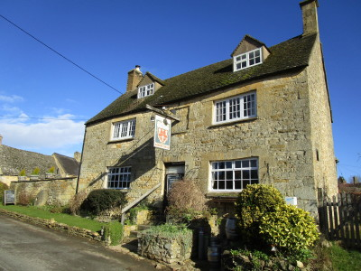 Dog-friendly pub and dog walk near Chipping Campden, Gloucestershire - Driving with Dogs