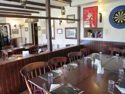 Furzehill dog-friendly pub, Dorset - Driving with Dogs