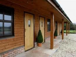M40 Junction 5 dog-friendly cafe/country pub and dog walk, Buckinghamshire - crown-radnage-dogfriendly.jpg