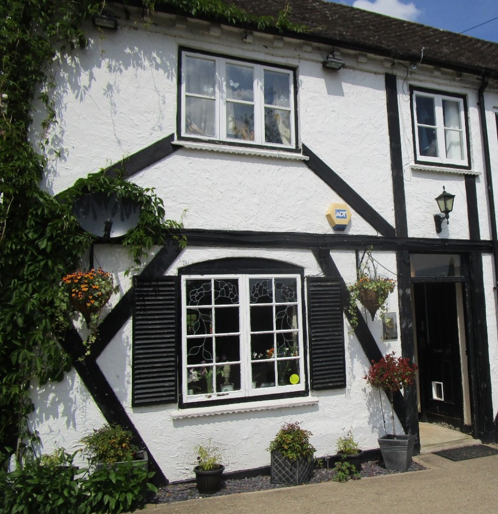 A449 dog-friendly pub near Worcester, Worcestershire - Worcestershire dog walks and dog-friendly pubs.JPG
