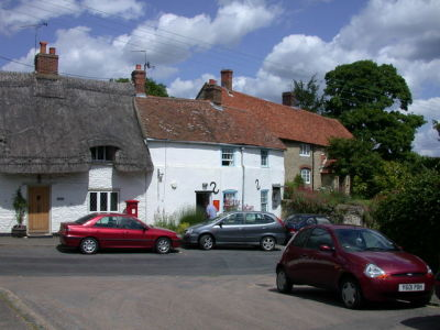 Dog-friendly village pub and dog walk, Oxfordshire - Driving with Dogs