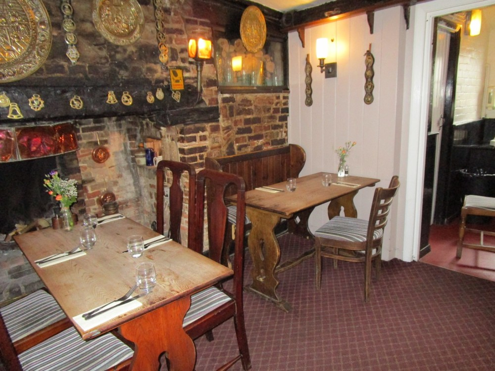 A25 dog-friendly pub and dog walk near Reigate, Surrey - Surrey dog walks and dog-friendly pubs.JPG