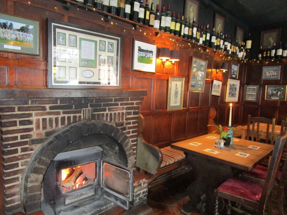 A272 dog walk and refreshments, East Sussex - Sussex dog walks with dog-friendly pubs.JPG