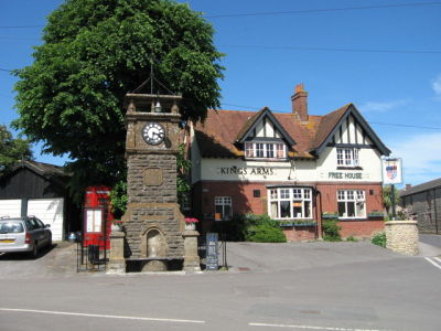 A352 Village dog walk and dog-friendly pub, Dorset - Driving with Dogs