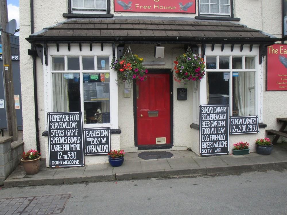 A470 Rhayader dog-friendly pub, Wales - dog-friendly pubs and dog walks in Wales.JPG