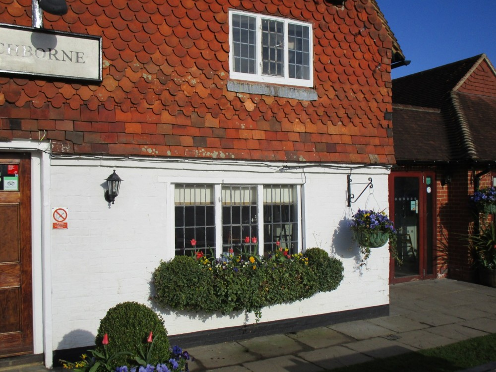 A281 dog walk and dog-friendly pub, West Sussex - Sussex dog walk and dog-friendly pub.JPG