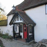 A29 dog-friendly pub and dog walk near Cranleigh, Surrey - Surrey dog-friendly pubs with dog walks.JPG