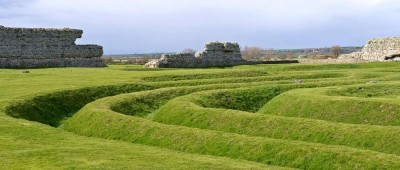 Richborough Castle with the dog, Kent - Driving with Dogs