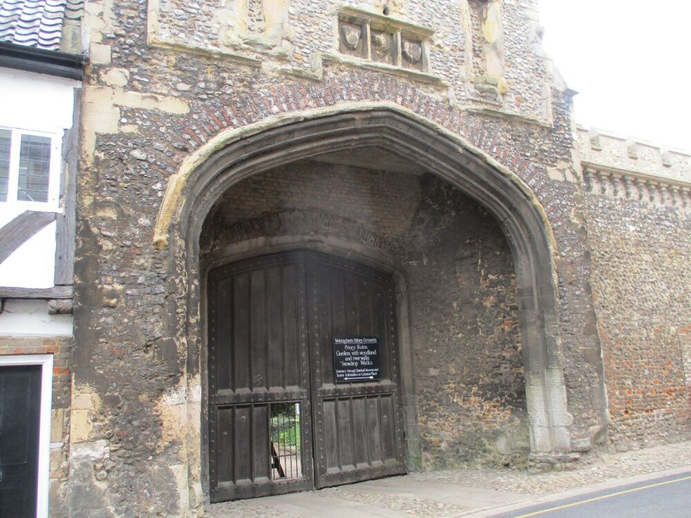 Walsingham - a pilgrimage with the dog, Norfolk - Heritage trail with the dog