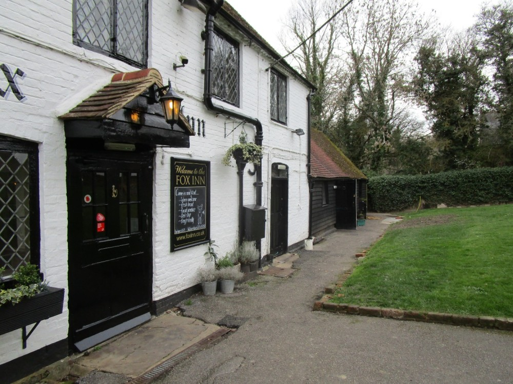 A281 Dog-friendly pub near Rudgwick, West Sussex - Sussex dog-friendly pubs and dog walks.JPG