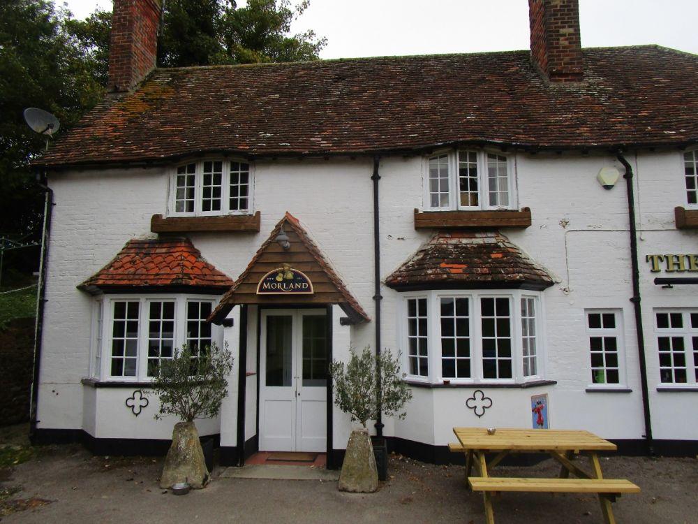A34 dog-friendly pub and dog walk near Wantage, Berkshire - Berkshire dog walk and dog friendly pub