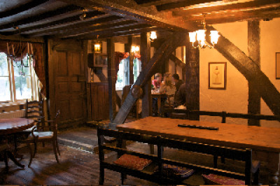 A28 historic inn near Canterbury, Kent - Driving with Dogs