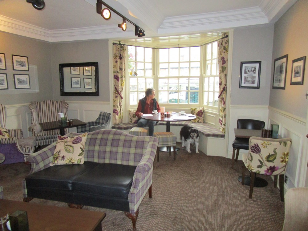 Market Square dog-friendly hotel and bar, Yorkshire - Yorkshire dog-friendly pub and dog walk