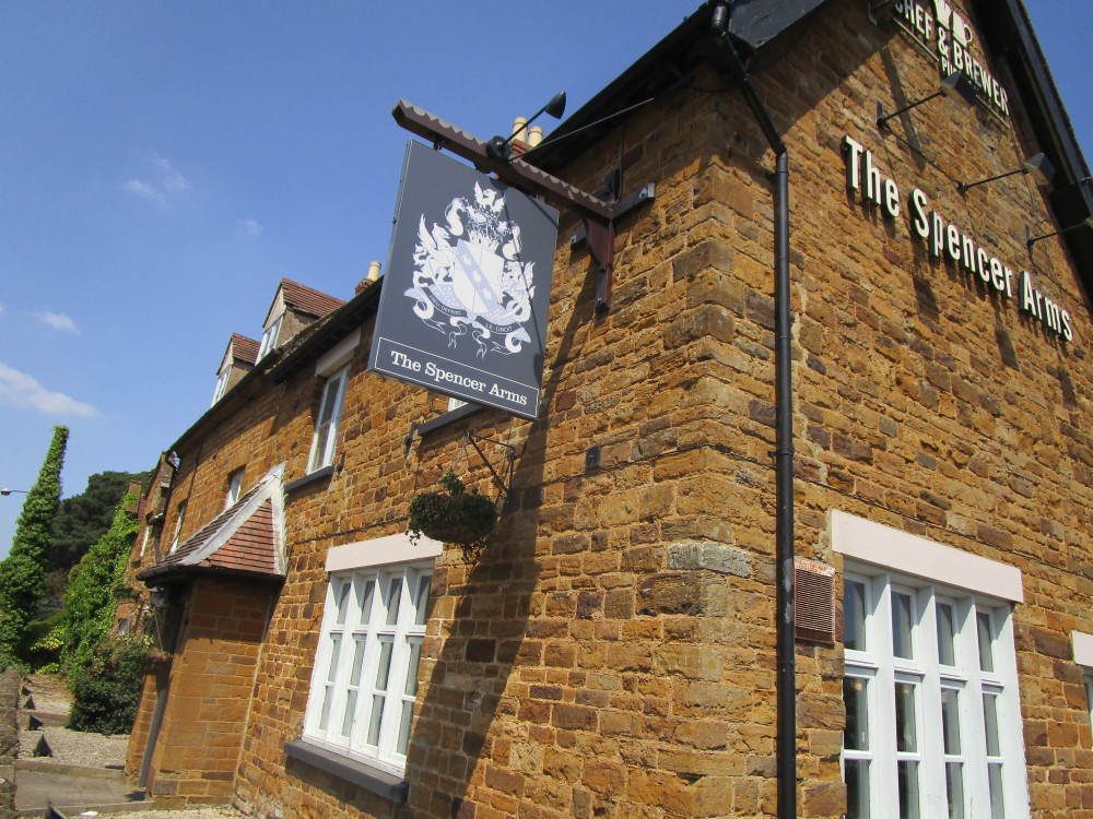 Chapel Brampton dog-friendly pub, Northamptonshire - Dog walks in Northamptonshire