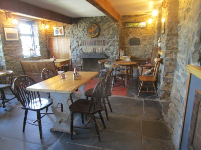 Dog-friendly pub near Devil's Bridge, Wales - Driving with Dogs