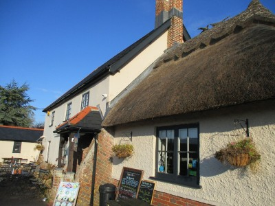Dog-friendly community pub near Wimborne, Dorset - Driving with Dogs