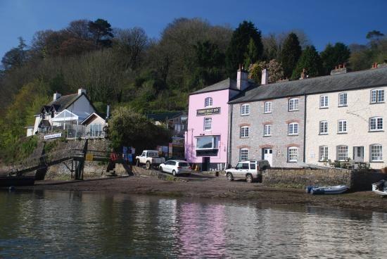 A379 dog-friendly pub and dog walk near Dartmouth, Devon - Dog-friendly pub on the river in Devon.jpg