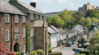 Luttrell Arms in Dunster, Somerset - Driving with Dogs