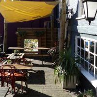 Riverside dog walk where the Saxons sailed, Suffolk - Dog-friendly pub in Woodbridge
