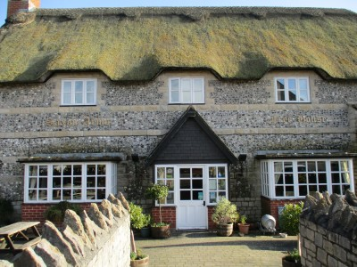 A37 dog-friendly pub near Dorchester, Dorset - Driving with Dogs